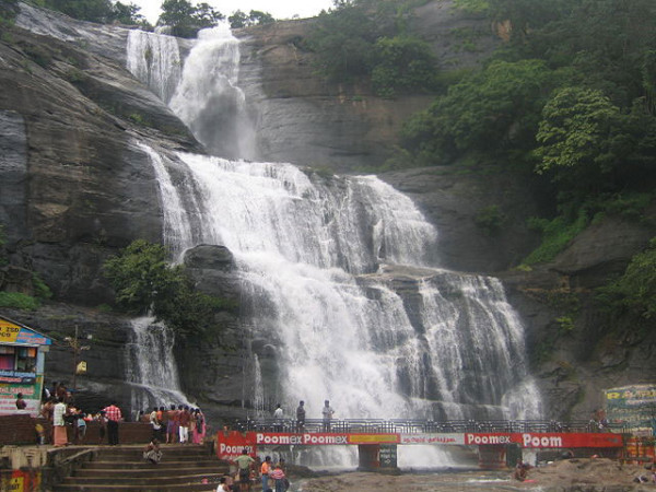 kutralam-waterfall